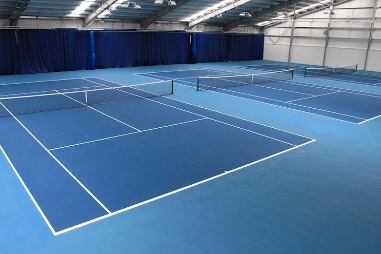Sơn bề mặt sân tennis