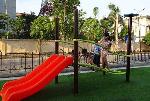 Cầu trượt trẻ em